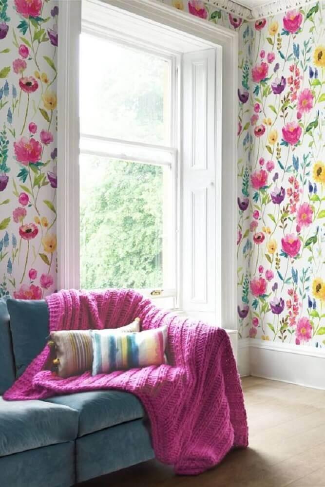 sala decorada com papel de parede com flores Foto Pinterest