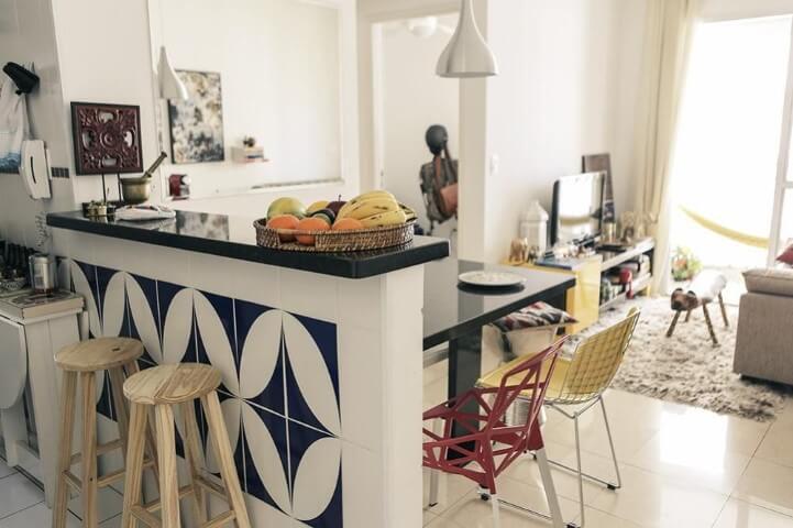 Apartamento pequeno decorado com ambientes integrados Projeto de Casa Aberta