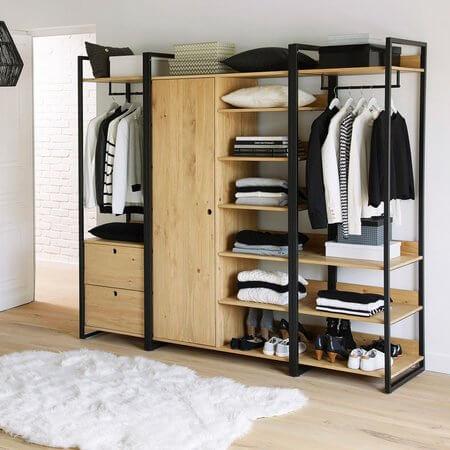 Armário de quarto aberto com estrutura de ferro e madeira Foto de Cubo Planejado