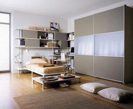 Armário de quarto com portas de correr combinando com outros móveis Foto de Cameta