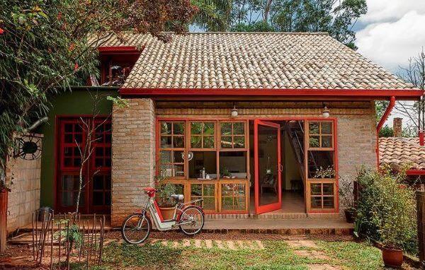Casa de campo com revestimento de parede externa em tijolinho. Fonte: Pinterest