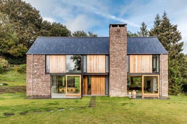 Casa de campo revestida com pedras naturais. Fonte: Pinterest
