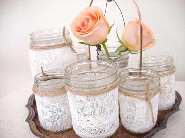 Conjunto de potes de vidro com renda Foto de Post Road Vintage