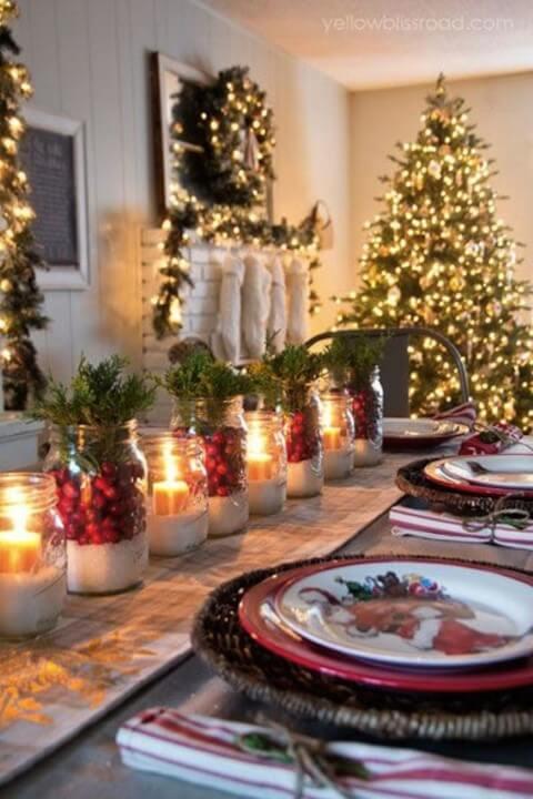 Enfeites feitos com velas de natal em potes de vidro Foto de Awan Shop