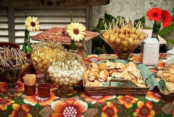Festa de boteco com comidinhas