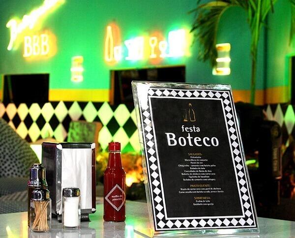 Festa de boteco mesa decorada com menu