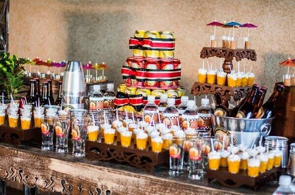 Festa de boteco mesa decorada
