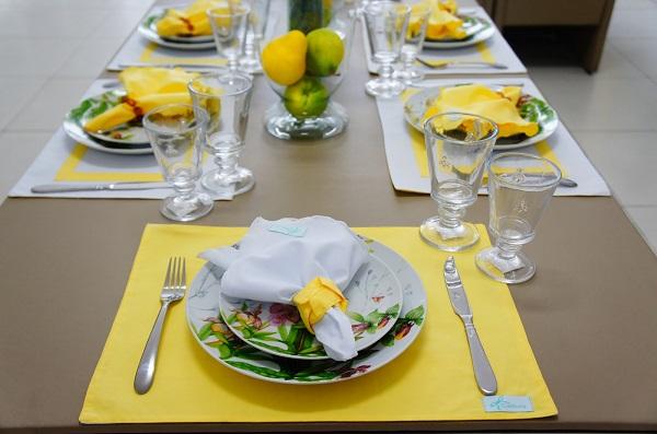 Mesa posta para jantar