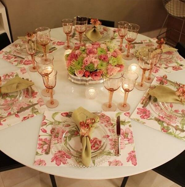 Mesa posta para mesa de jantar