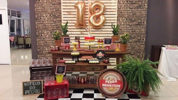 The 18 year old's birthday gets even more special with the theme of boteco party