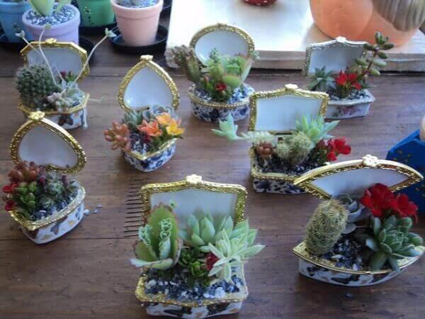 Os portas joias se tornaram mini jardim de suculentas