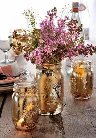 Potes de vidro com pintura dourada rústica Foto de Asset Project