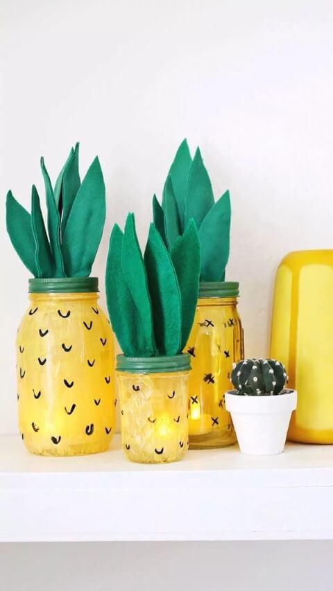 Potes de vidro pintados como abacaxi Foto de Yandex