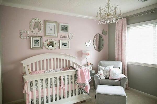 Quadro para quarto de bebê com diversos desenhos e propostas