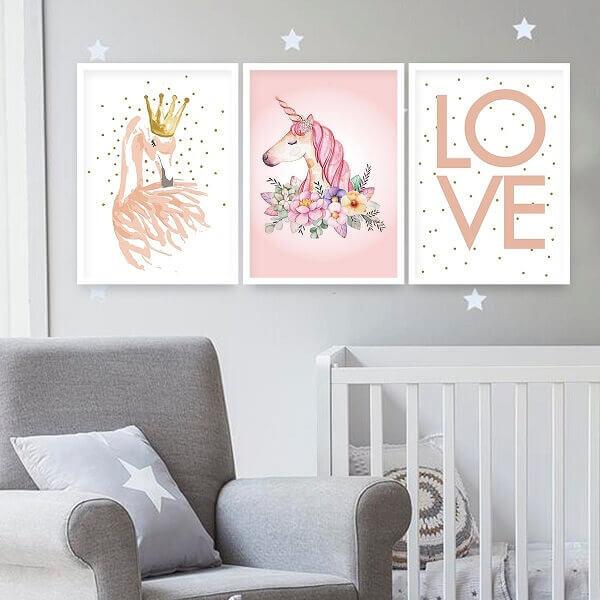 Quadro para quarto de bebê com moldura na cor branca