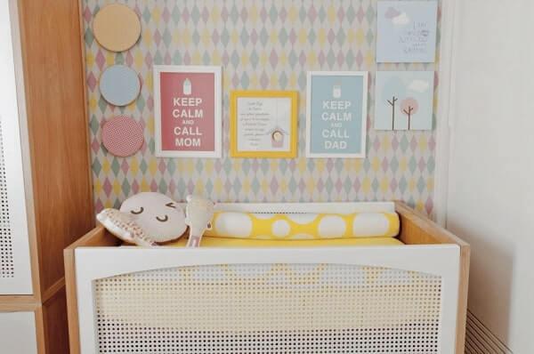 Quadro para quarto de bebê com motivos delicados