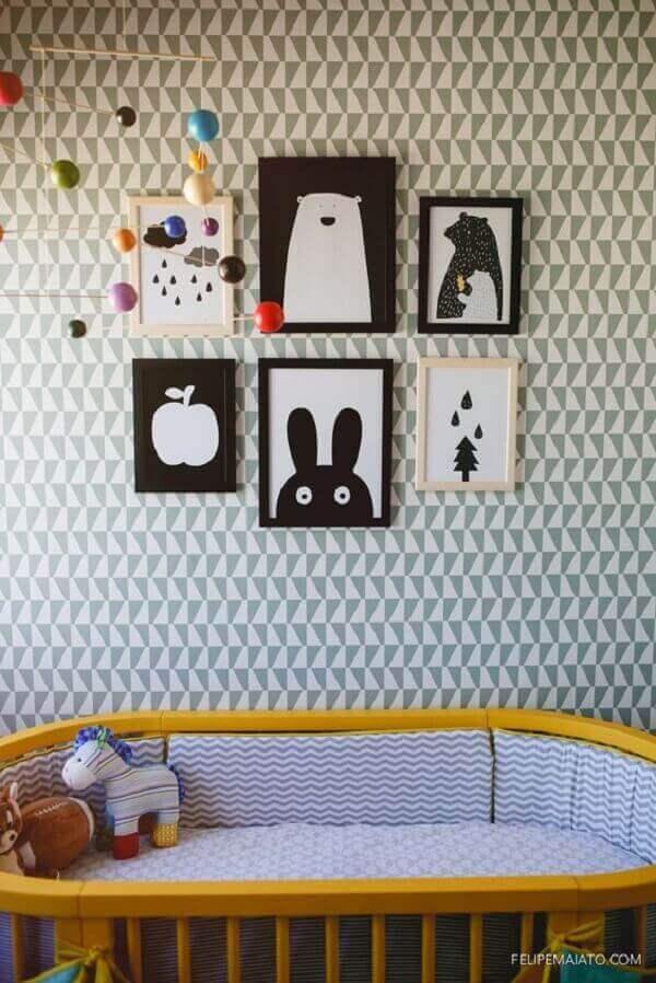 Quadro para quarto de bebê com temas variados