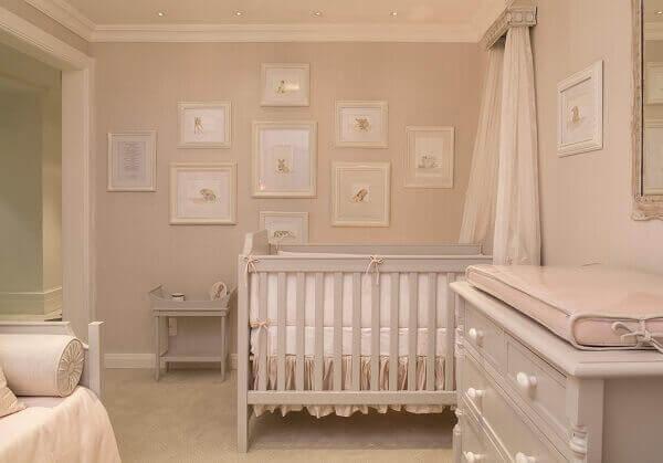 Quadro para quarto de bebê na cor branca