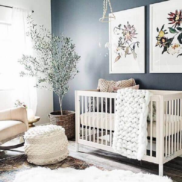 Quadro para quarto de criança com motivos florais