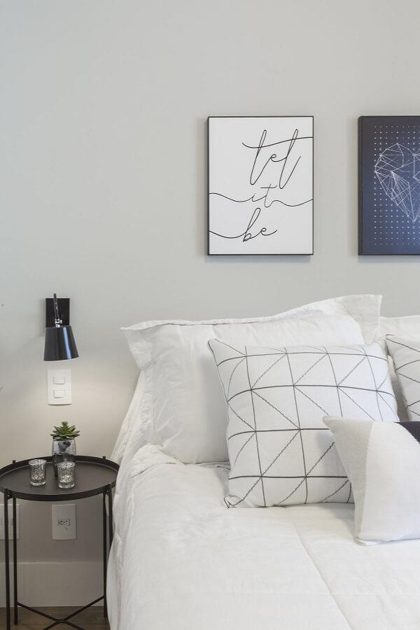 Quadros para quarto de casal clean