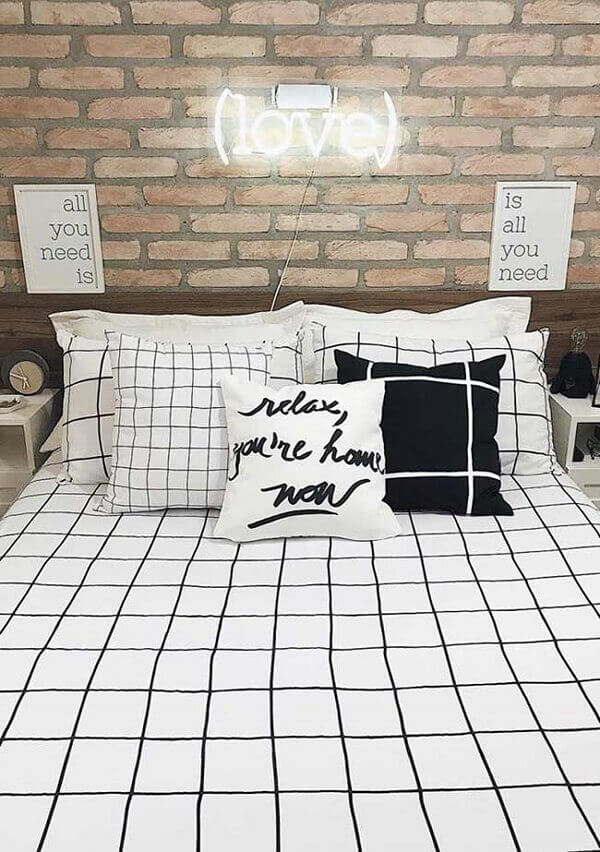 Quadros para quarto de casal romântico