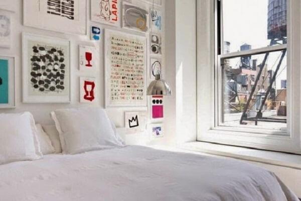 Quadros para quarto em moldura branca