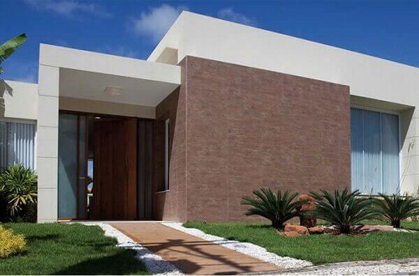 Revestimento de parede externa com porcelanato de madeira