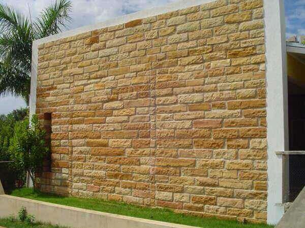 Revestimento de parede externa tipo pedra