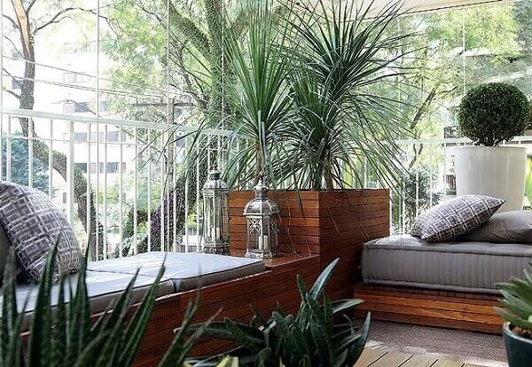 Sacada de vidro é um espaço para descansar