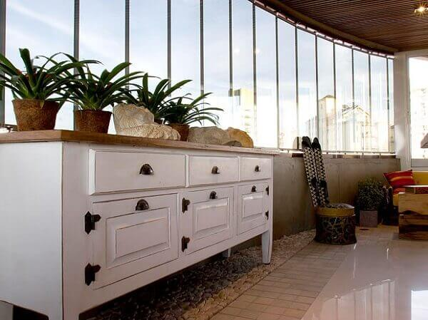 Sacada de vidro protege o imóvel da poeira externa