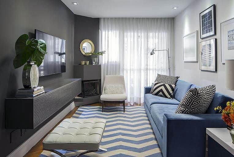 Sala de estar pequena com tons claros e também cores diferentes Foto de Pinterest