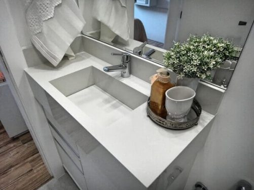 Torneira para pia de banheiro pequena