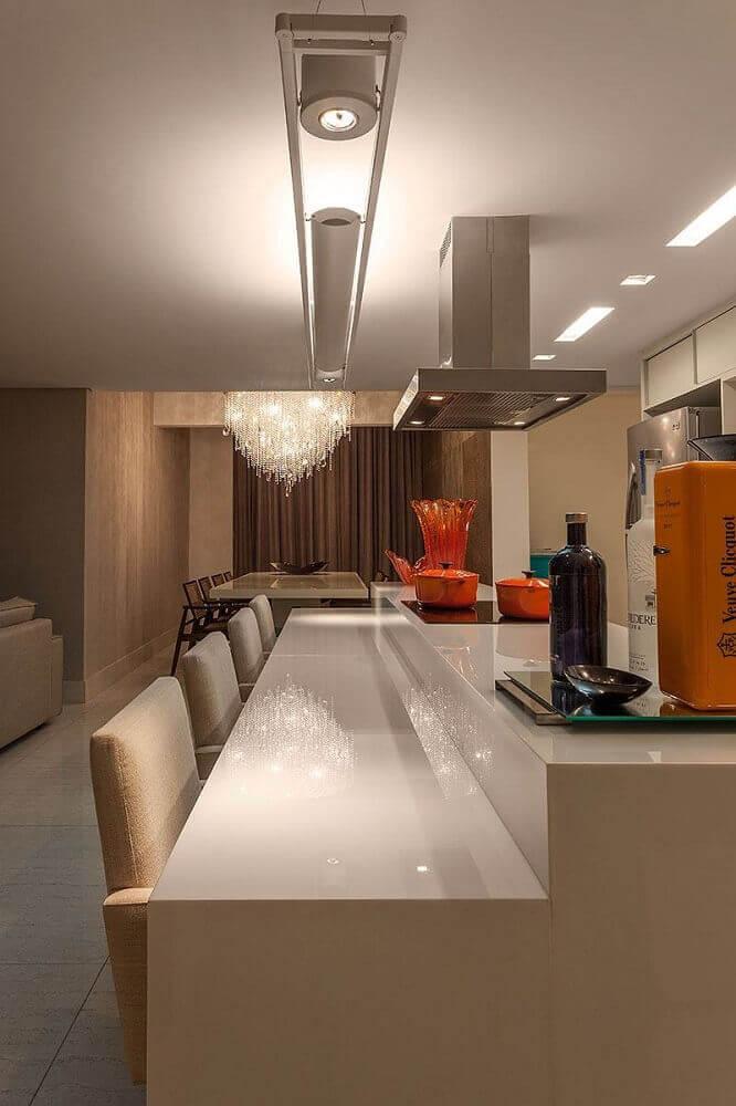 cozinha integrada decorada com bancada nanoglass Foto Estela Netto
