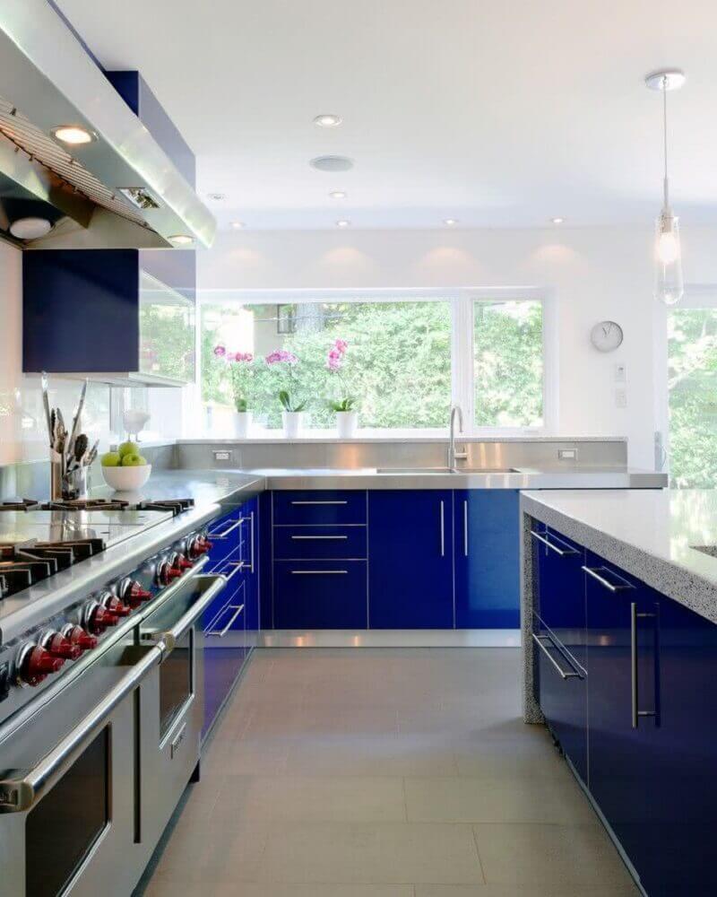 cozinha planejada azul Foto Wisma Home