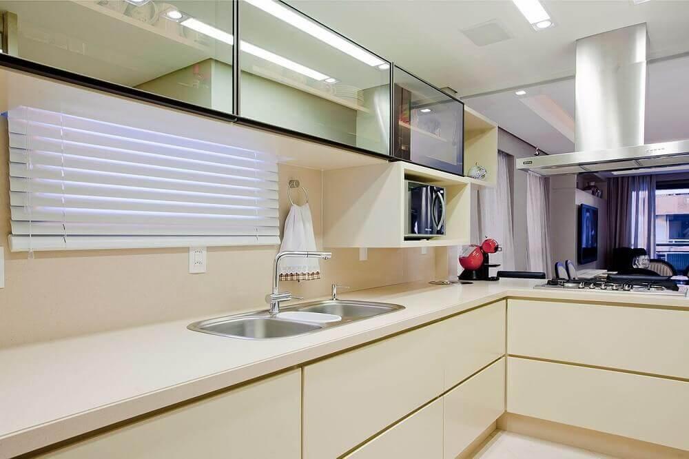 cozinha planejada com bancada nanoglass Foto Karla Silva