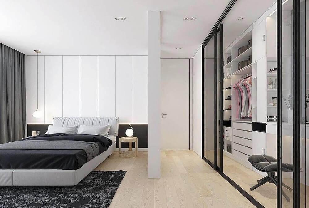 decoração clean para quarto com closet pequeno Foto HomeSetting