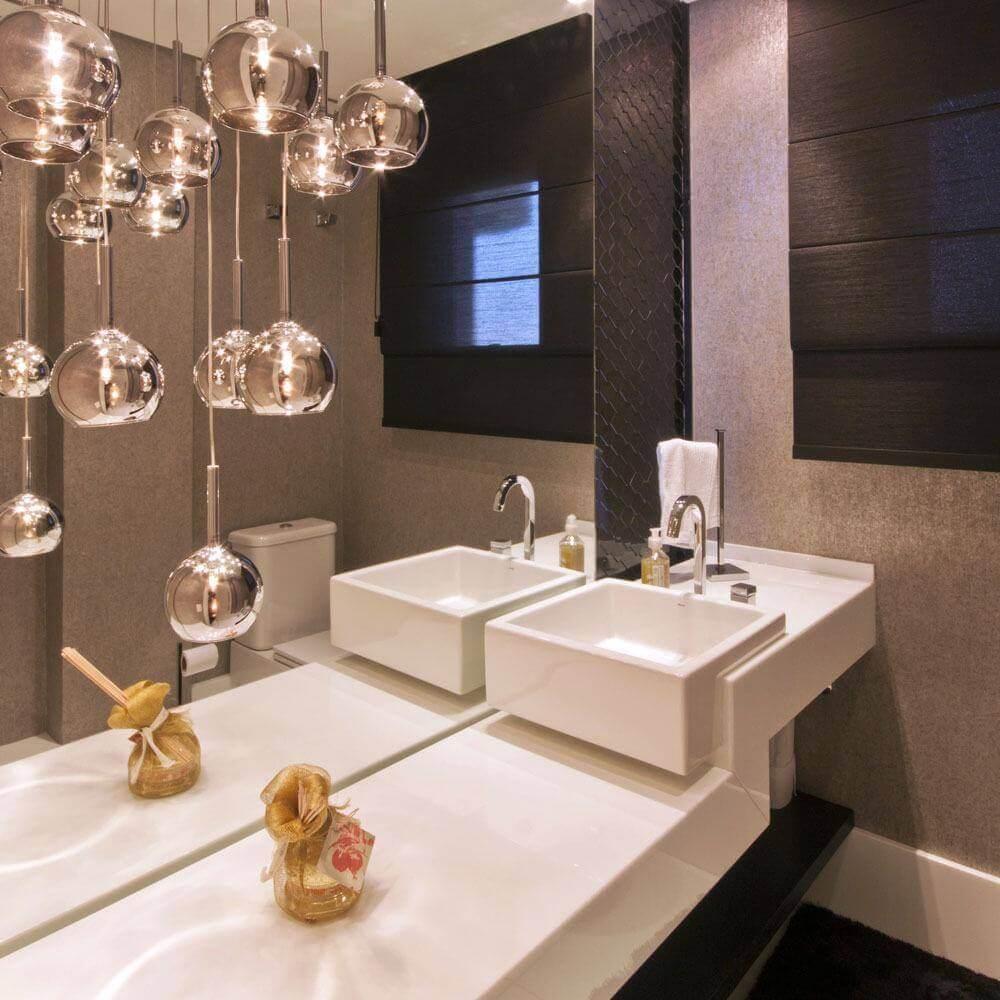 decoração de banheiro com pendentes sobre bancada nanoglass Foto FirePont