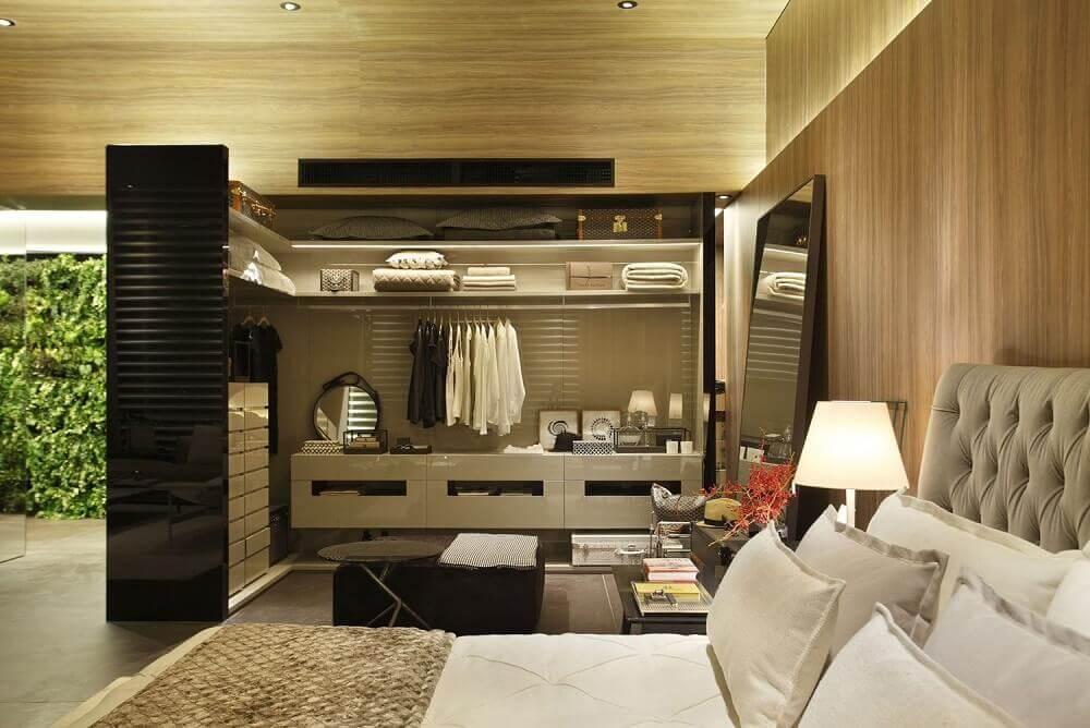 decoração em tons neutros para quarto de casal com closet Foto Izabela Lessa