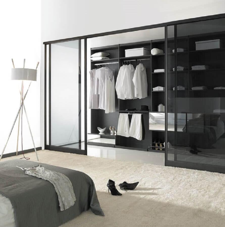 decoração moderna para quarto com closet Foto The Holk