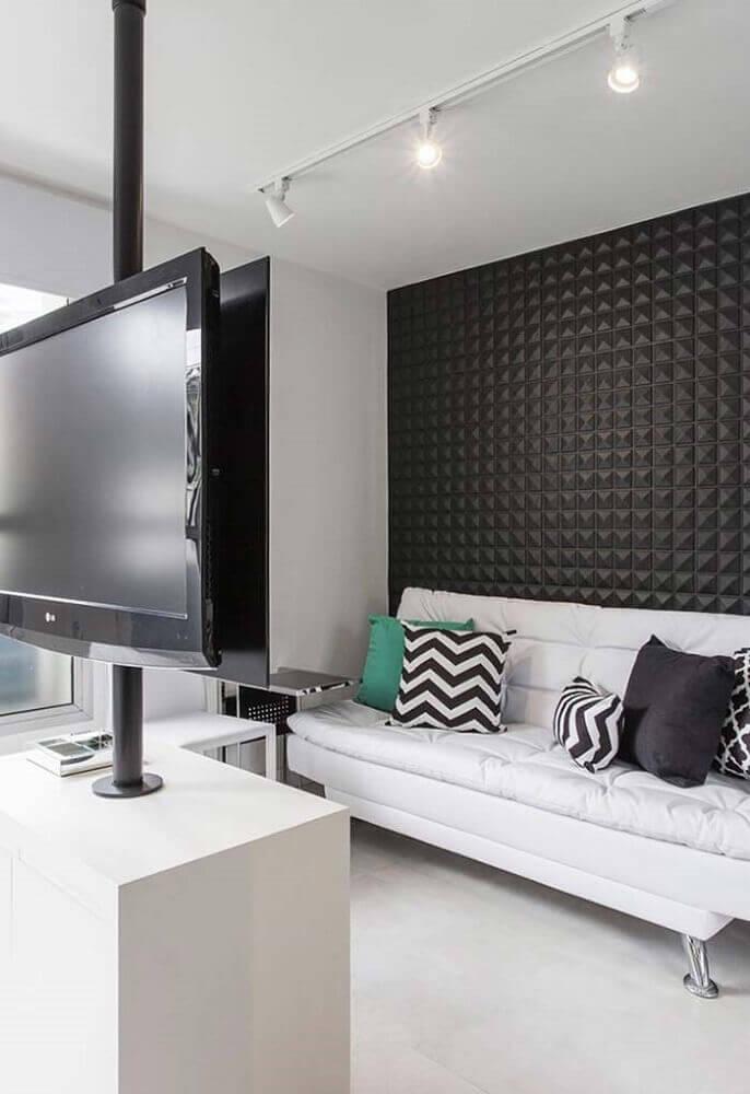 decoração moderna para sala pequena com sofá branco e parede com revestimento 3D Foto Pinterest