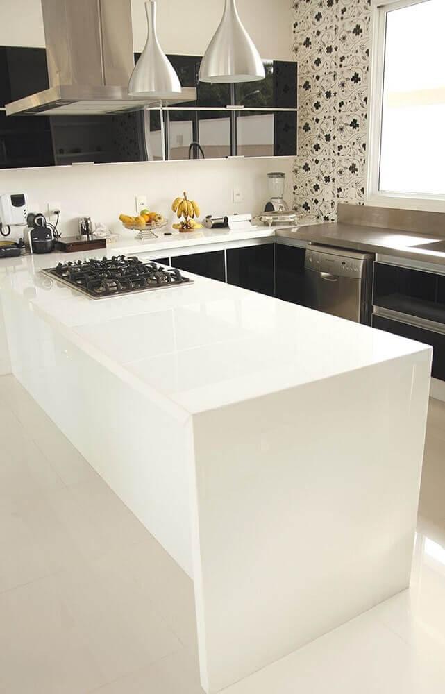 decoração para cozinha preto e branca com bancada nanoglass Foto DfX Marmoraria