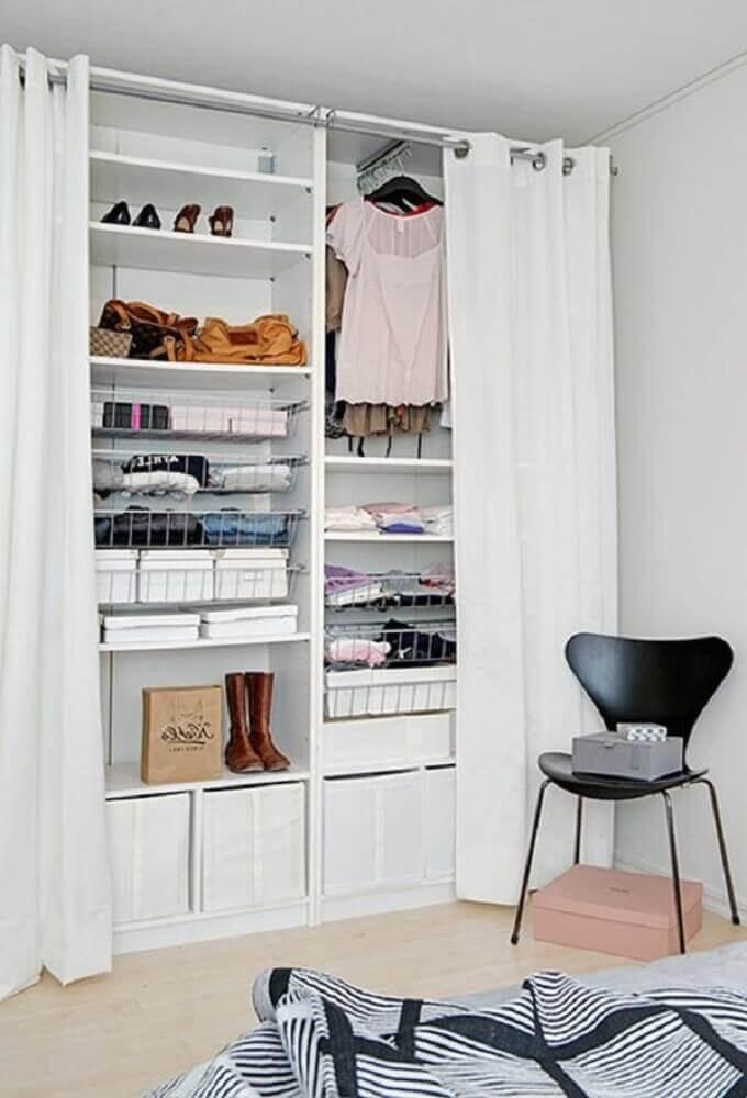 modelo de closet aramado pequeno Foto Wohndesign