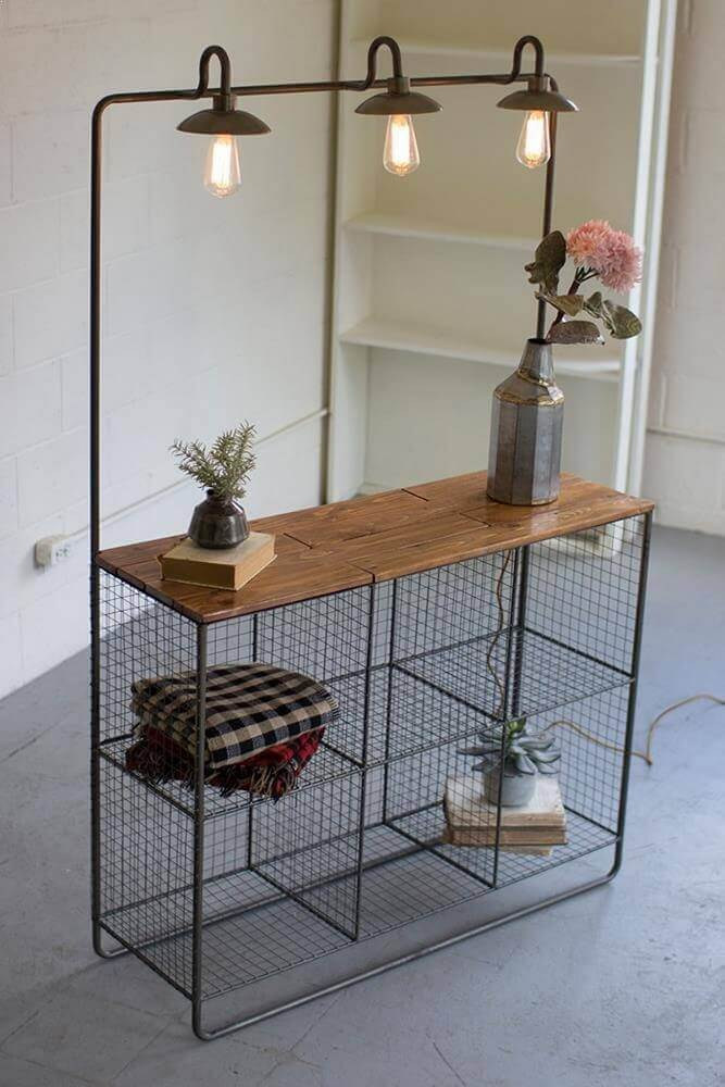modelo de estante de aramado com balcão de madeira Foto Modish Store