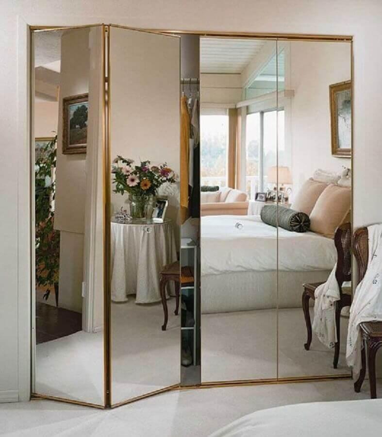 modelo de guarda roupa grande com espelho Foto Tupper Woods