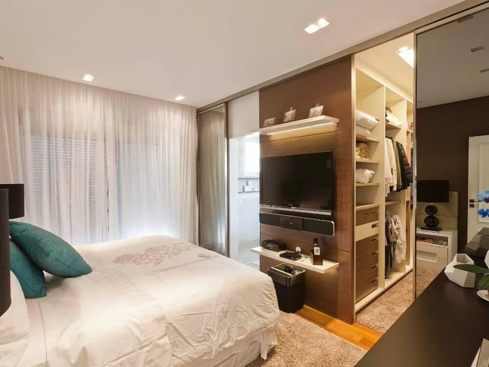modelo de quarto com closet e banheiro Foto Pinterest