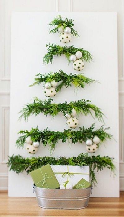 Painel de natal feito com plantas decorativas