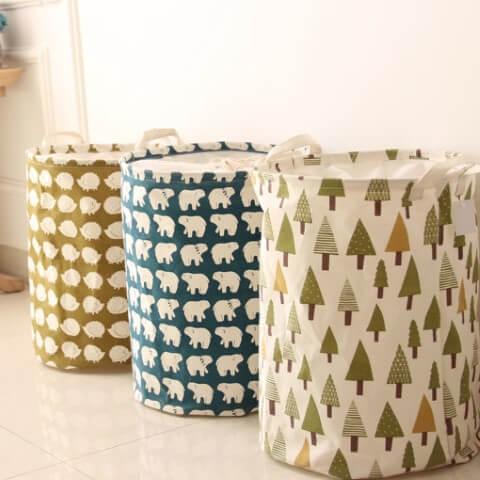 Como organizar a casa com cestos de roupa suja diferentes Foto de Joom