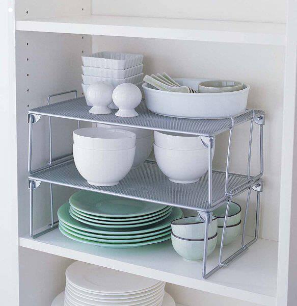 Como organizar a casa com prateleiras organizadoras na cozinha Foto de Carol Organizer