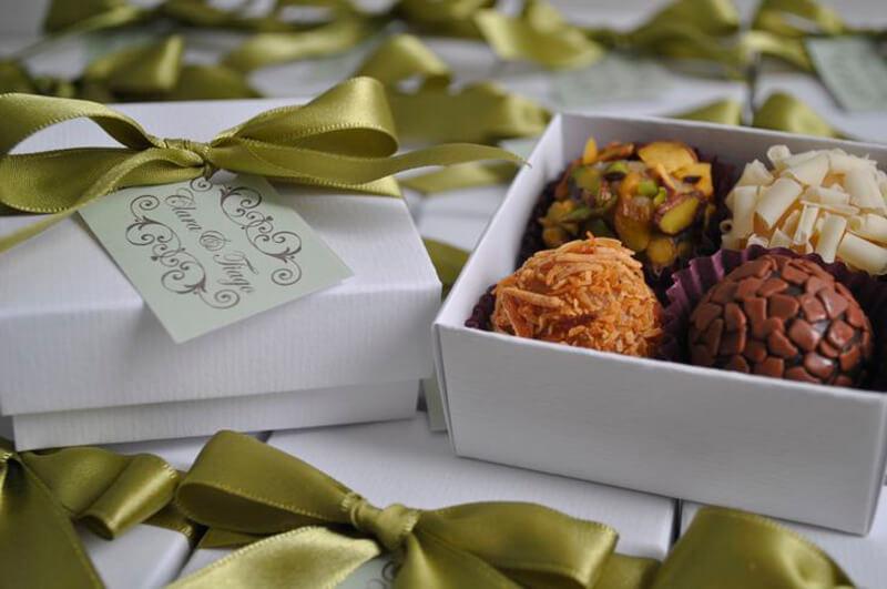 Embalagem com docinhos como lembrancinhas de casamento Foto de Internovias