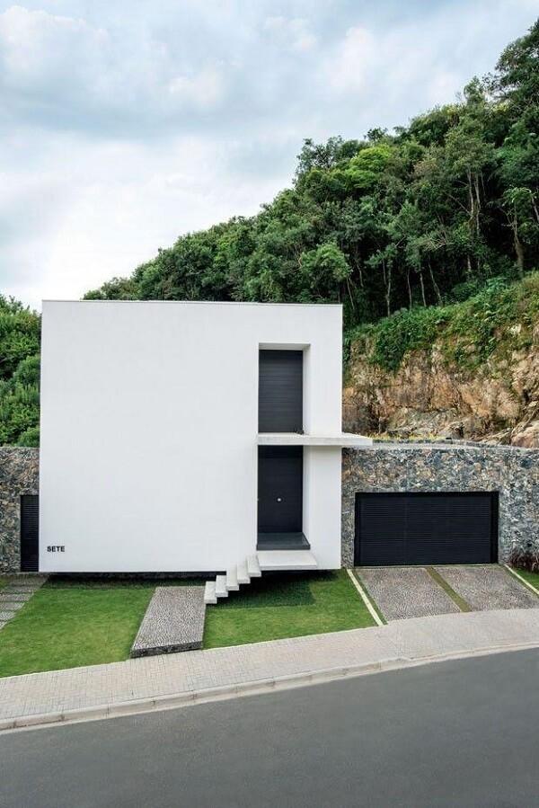 Fachada com design moderno e minimalista